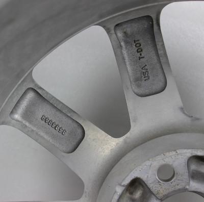凯迪拉克赛威18寸二手轮毂