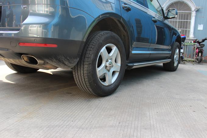 大众途锐17寸轮毂改装作业