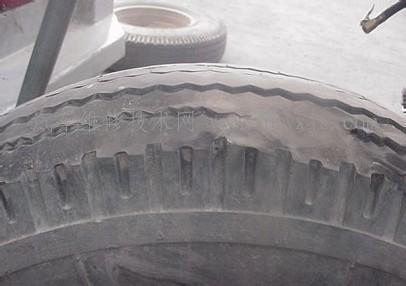 轮胎磨损的原因及解决方法