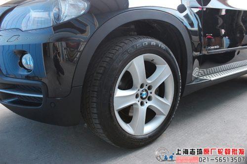 宝马x5原装19寸轮毂升级21寸