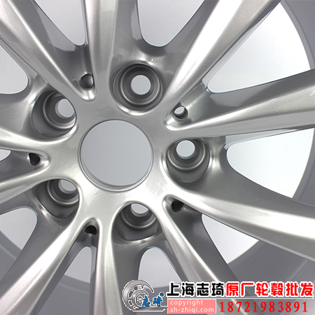 宝马7系原装拆车轮毂18寸