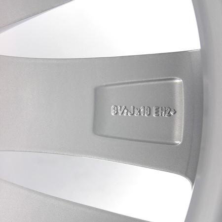 宝马740原装拆车轮毂19寸