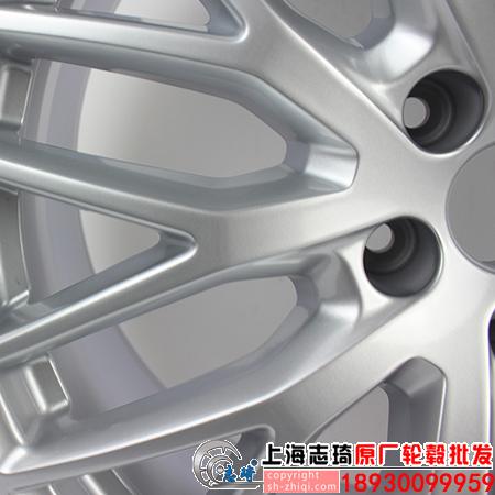 2018款奥迪q7原装轮毂20寸