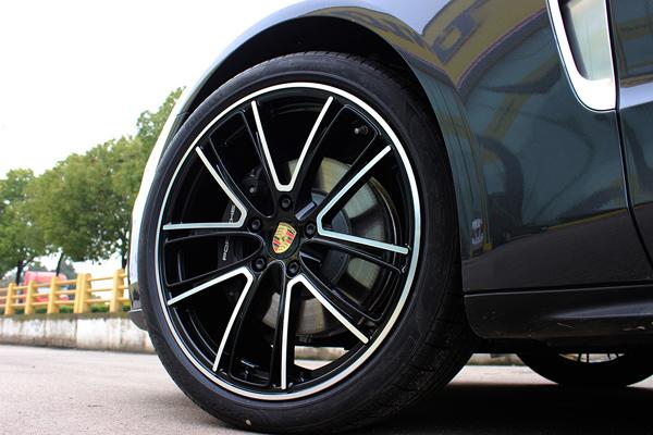 新款保时捷panamera原19寸升级21寸锻造轮毂