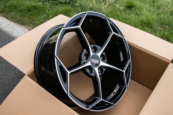 凯迪拉克xts升级改装18寸兰博基尼款锻造轮毂