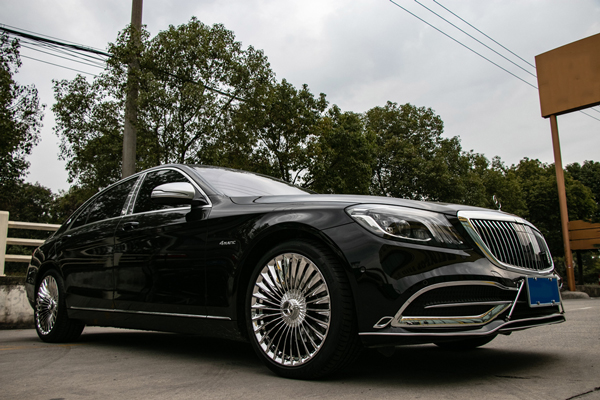 奔驰迈巴赫s560原车轮毂升级20寸高脚复合盖锻造电镀白轮毂